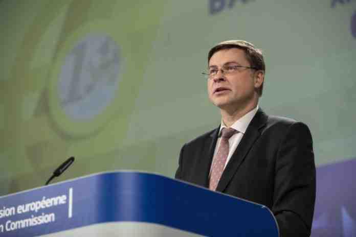 Dombrovskis manovra economica