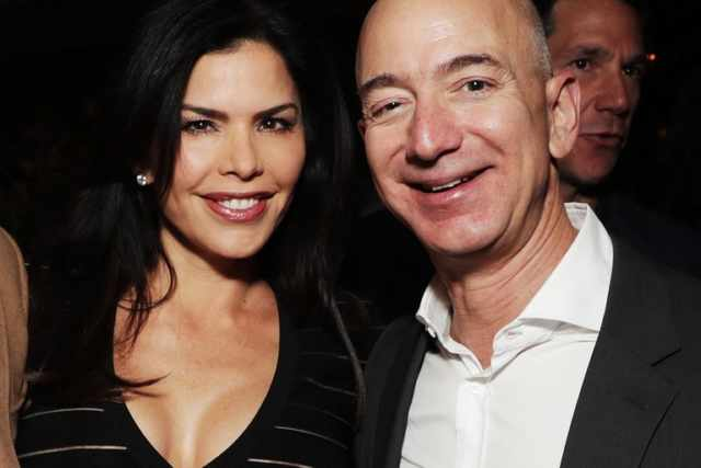 Un tabloid ha pagato 200mila dollari per avere foto hot di Bezos