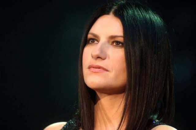 Laura Pausini nera dalla rabbia: diffuso illegalmente il nuovo singolo