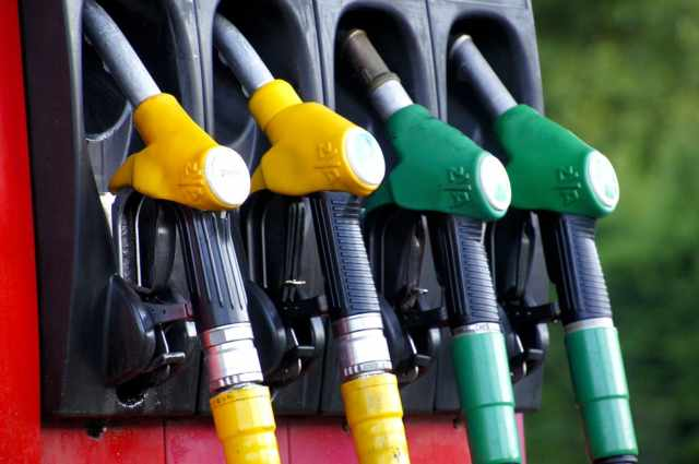 Caro benzina esplode l'altalena dei prezzi