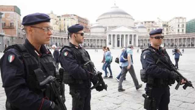 napoli corruzione migranti terrorismo