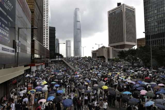 hong kong sospesa legge estradizione