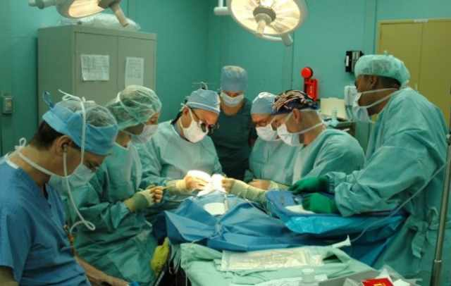 torino tetraplegico uso mani operazione
