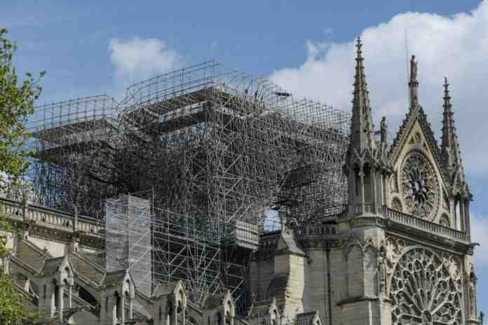 notre dame cattedrale fondi promessi milioni euro