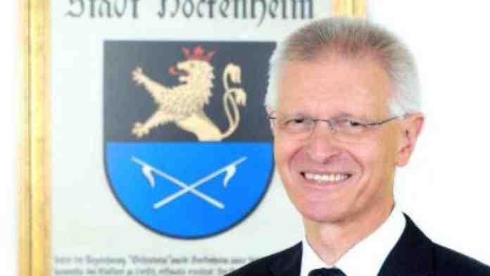 sindaco Hockenheim aggredito germania