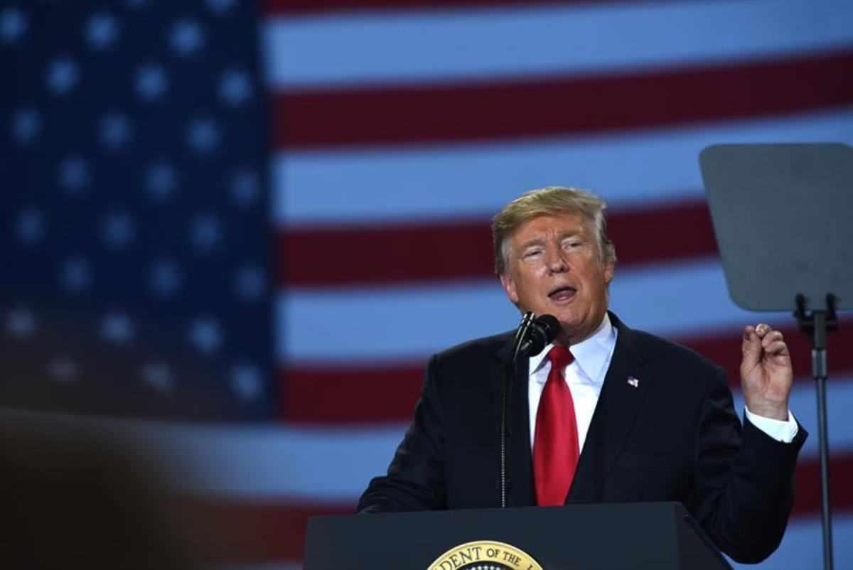 Trump spacca l'America: scoppia la protesta davanti alla Casa Bianca