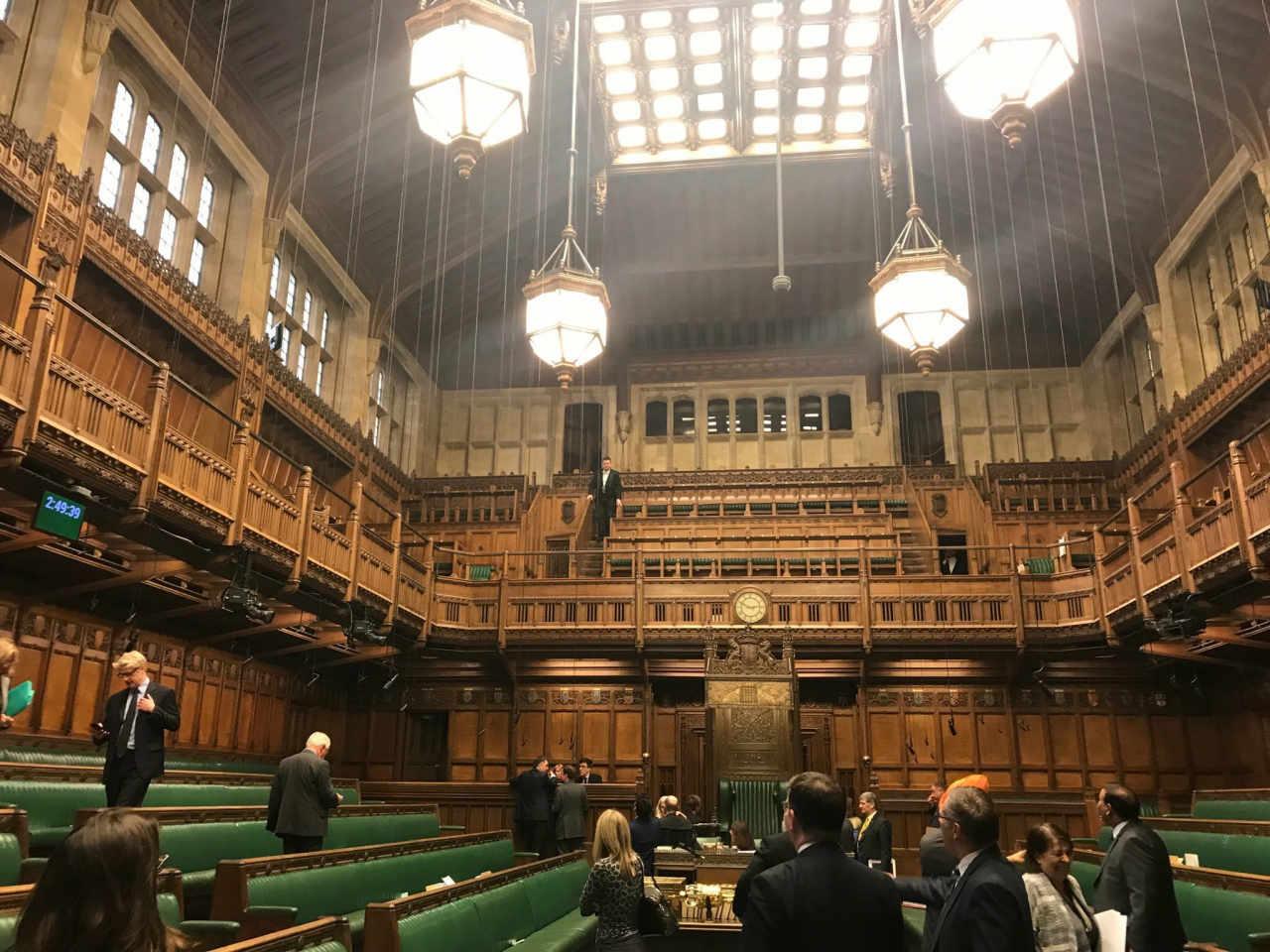 La Regina sospende il Parlamento dopo la richiesta di Johnson