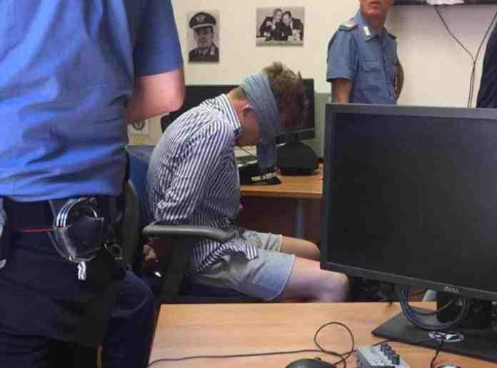 carabiniere ucciso americano bendato indagato carabiniere