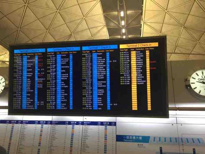 hong kong proteste aeroporti