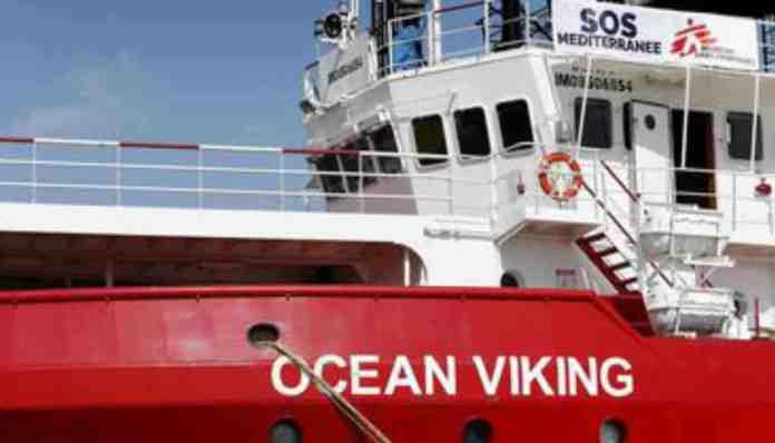 sbarco ocean viking lampedusa