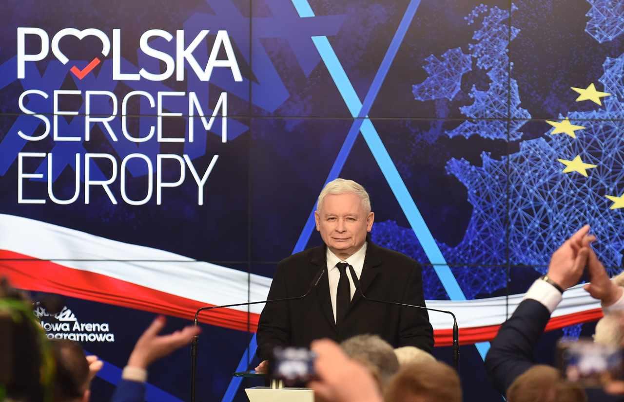 Polonia, exit poll: vincono i sovranisti di Kaczynski