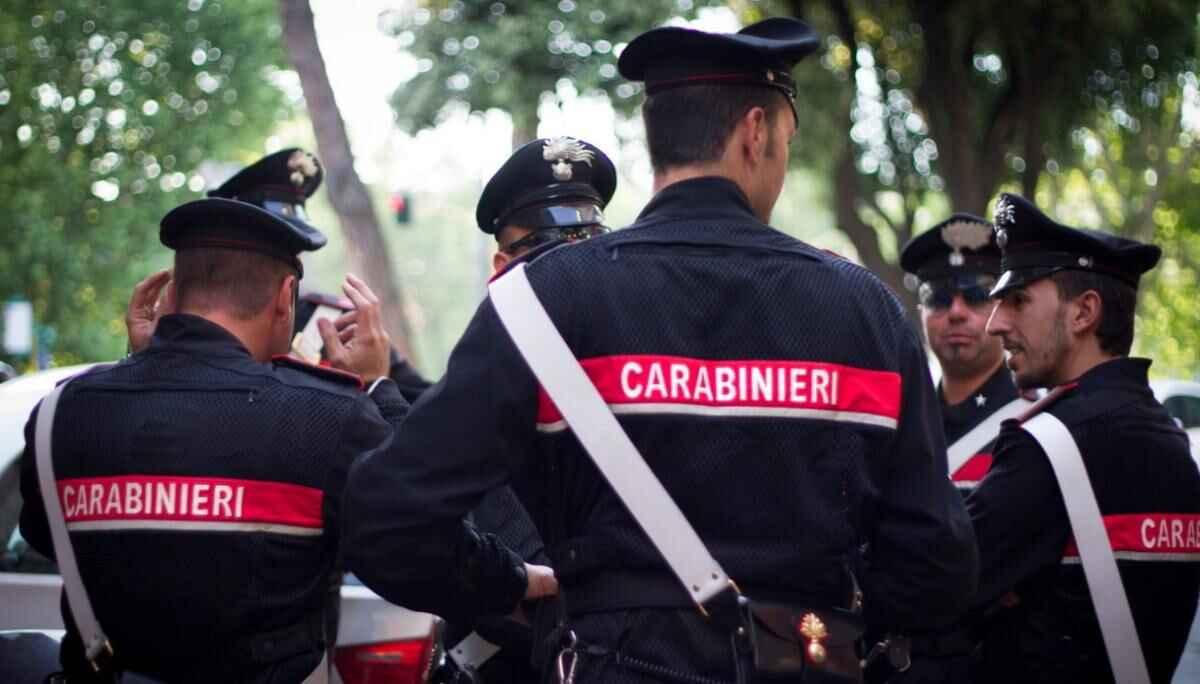 Napoli, uccide la sorella perché gay facendola cadere dallo scooter |  Notizie Oggi 24