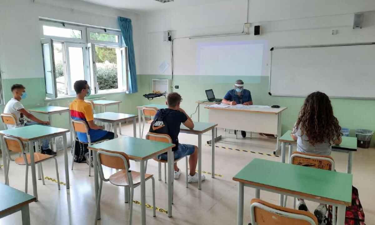 scuola covid riapertura classi